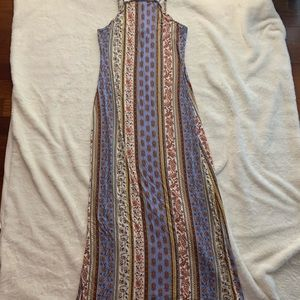 Dresses & Skirts - Paisley Print Maxi Dress Size L